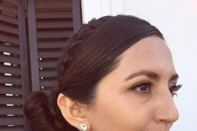 Scarlett Vania Make Up & Hair