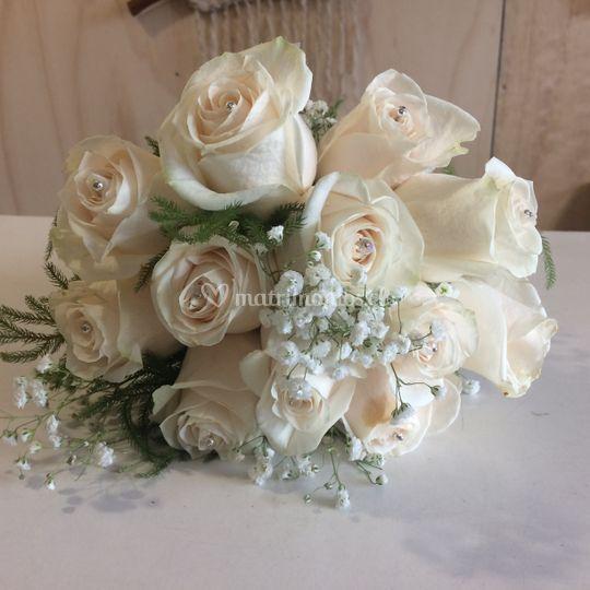 Ramo de novia 12 rosas blancas