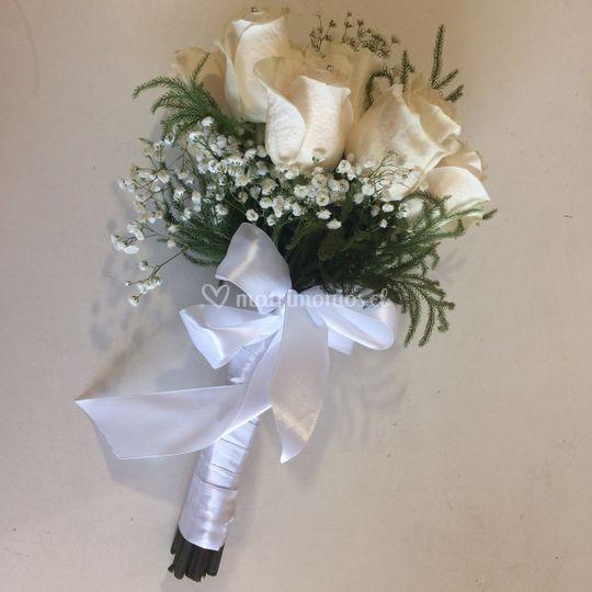 Ramo de novia rosas blancas