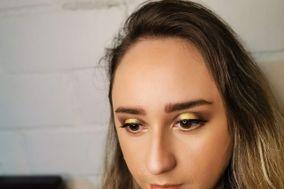 Leslie Makeup