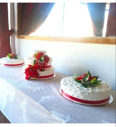 Torta de novios rojo