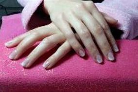 Majas Nails