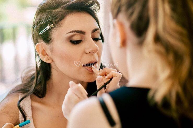 Nicole Godoy Makeup & Hair