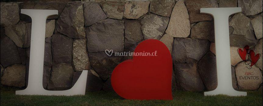 Iniciales novios 2D corazón 3D