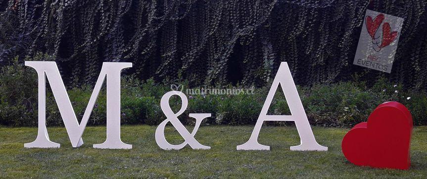 Letra matrimonio 2D corazón 3D