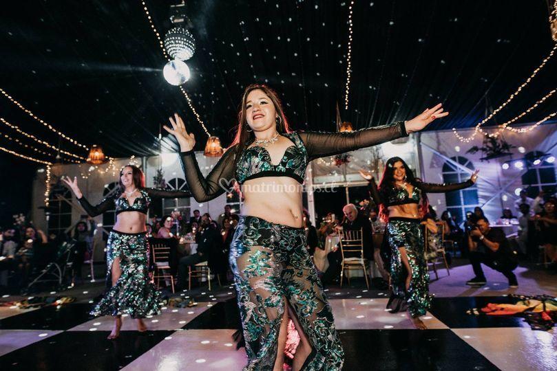Danzas y Show Aicha