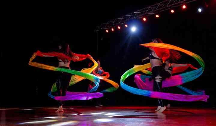 Danza Árabe con elementos