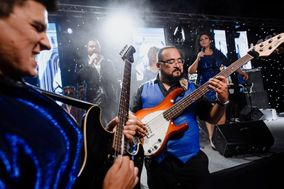 Puerto Groove Show Band