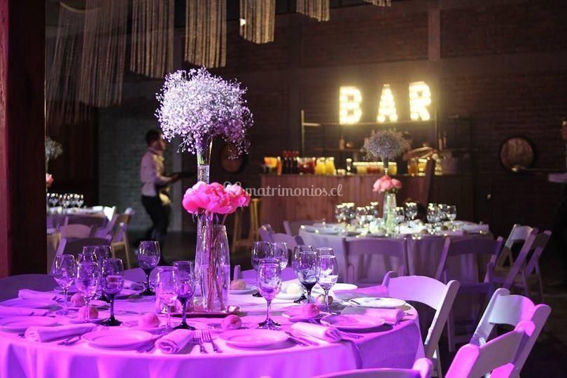 Mesas y bar