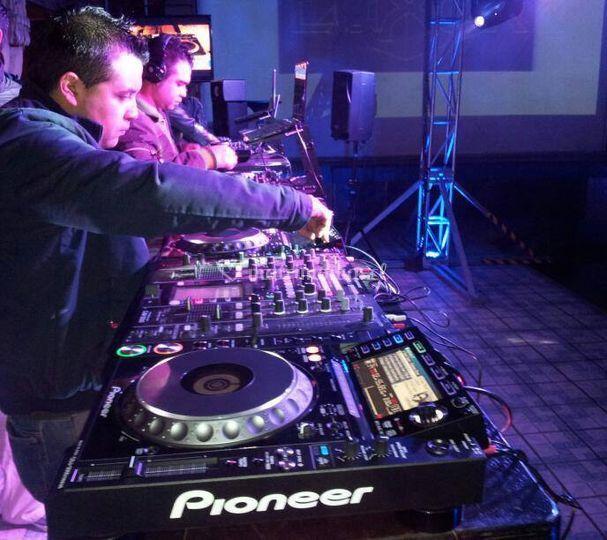 Mesa de sonido y del DJ