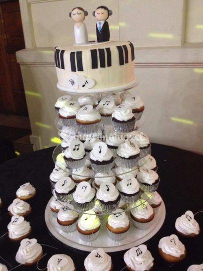 Torre de cupcakes musical