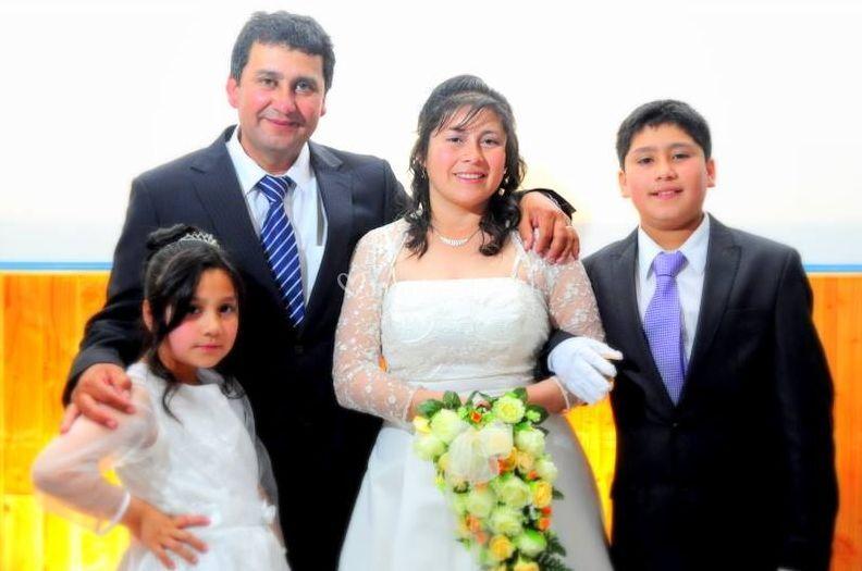 Fotografía junto a la familia