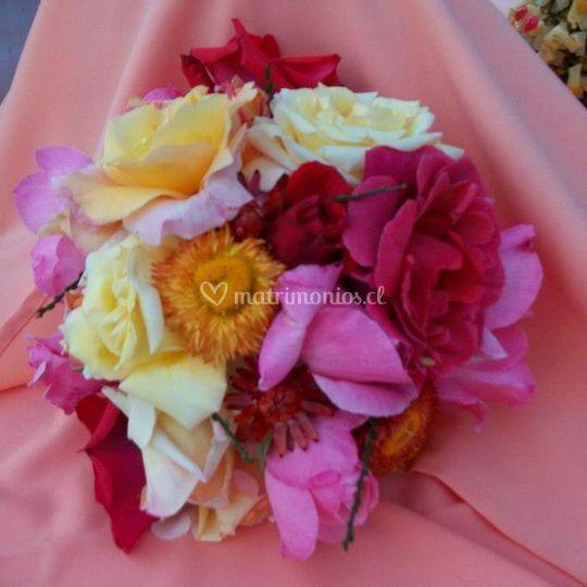 Arreglos florales coloridos