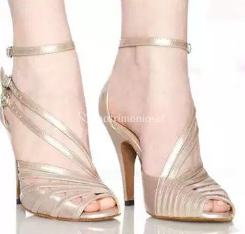 Zapatos con pulcera