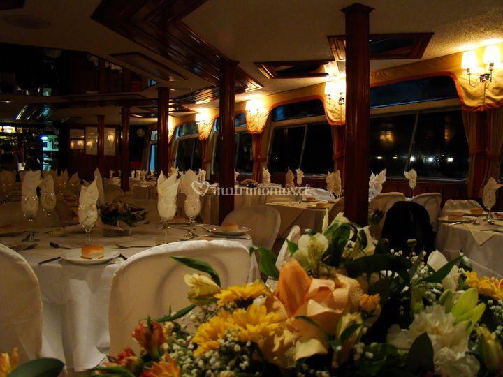 Banquete en cubierta