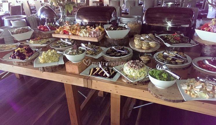 Buffet de carnes y verduras