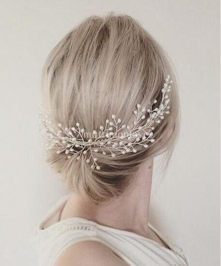 Peineta tiara blanca