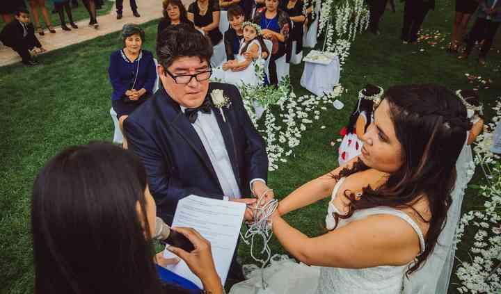 Karen Araya Maestra de Ceremonia