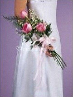 Ramo de 3 rosas rosadas y cinta de raso