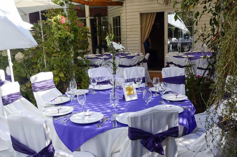 Mesas en lila