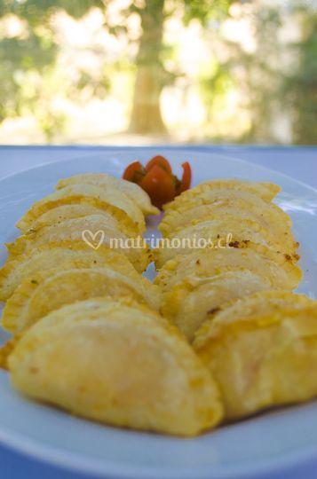 Empanaditas aji de gallina