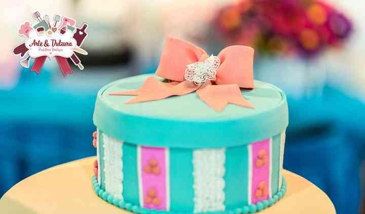 Torta caja de regalo