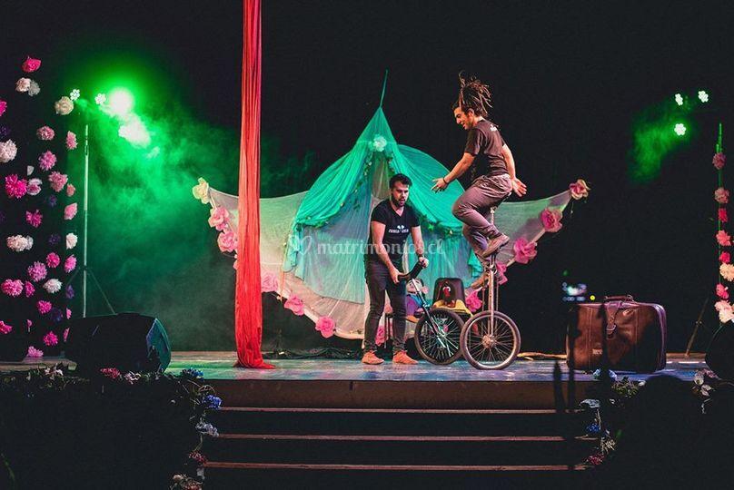 Monociclo y Jirafa