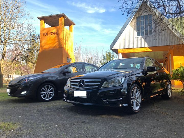 Mercedes Benz C180 y Mazda 3R