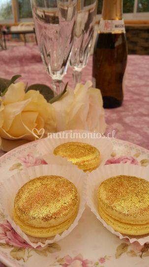 Un brindis dorado