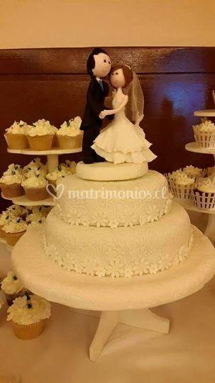 Hermosa de torta de matrimonio