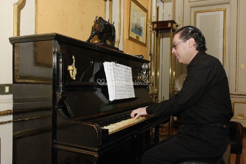 Piano en Club Naval