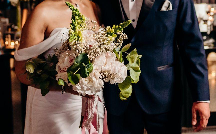 Ramo de novia con peonias