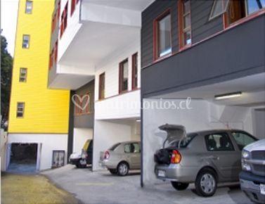 Estacionamiento cubierto y externo