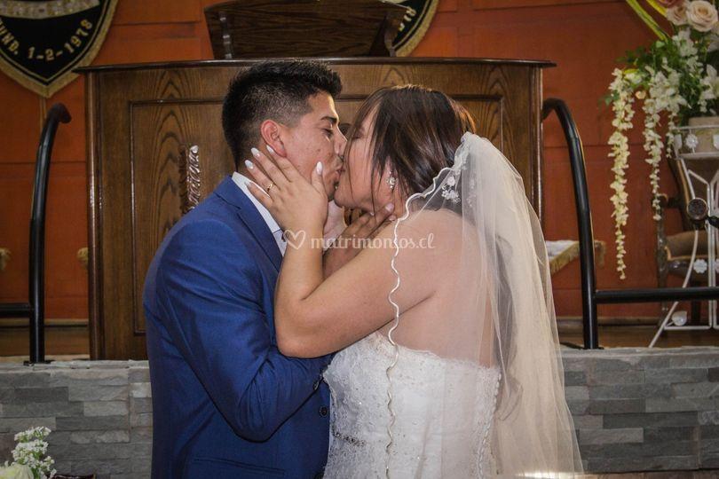 Beso de ceremonia