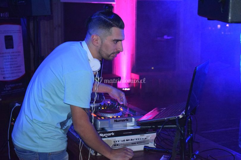 DJ/VJ  Oscar Vergara