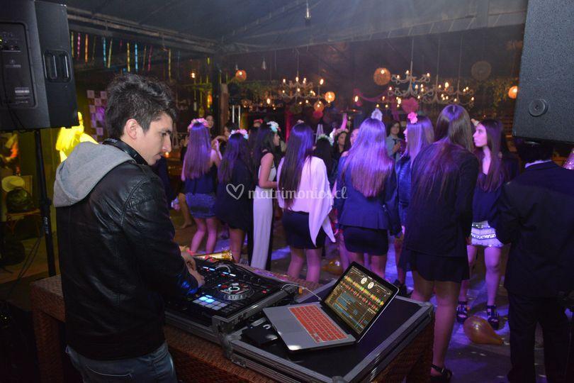 DJ /Fiesta 15 Años
