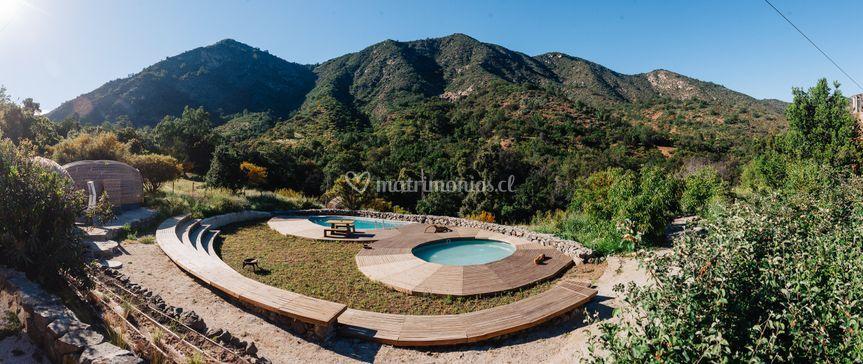 Vista del anfiteatro y piscina