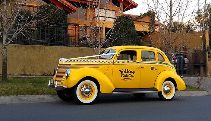 Ford 1938 Yellow Cab
