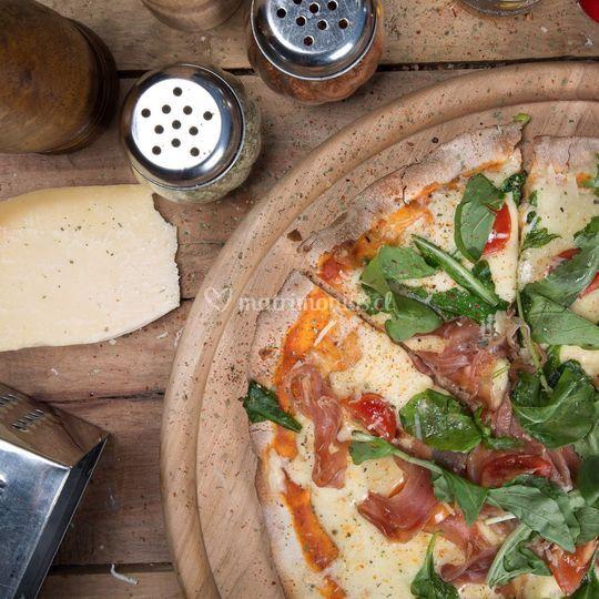 Exquisitas pizzas a la piedra