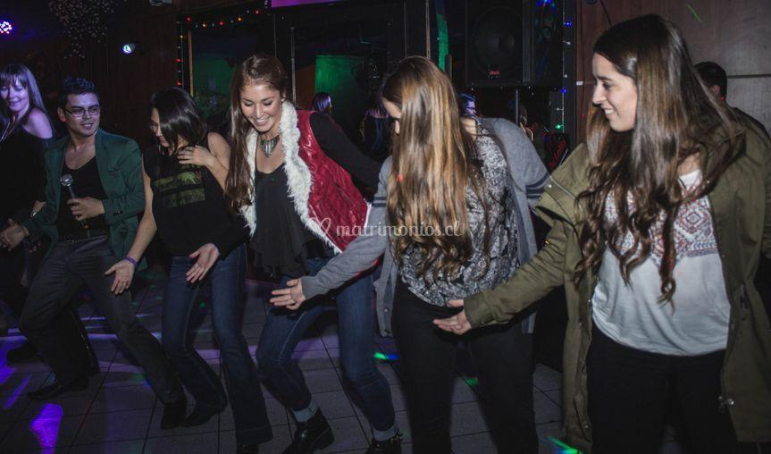 Karaoke y baile entretenido
