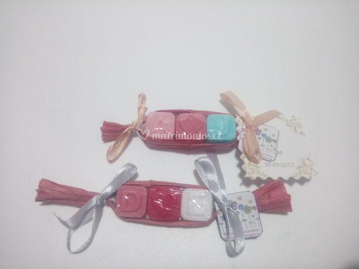 Mini jaboncitos con iniciales