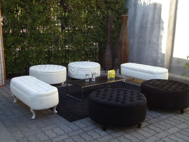 Lounge de banquetas y poufs 14