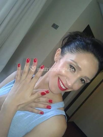 Manicure y maquillaje novia