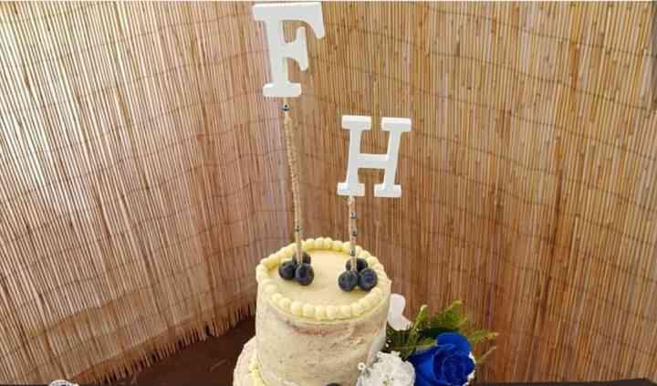 Torta boda flores azules