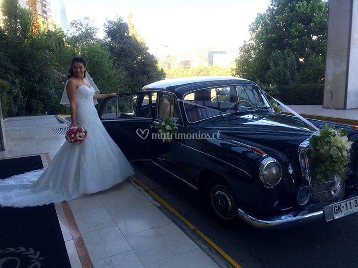 Foto novia con el auto