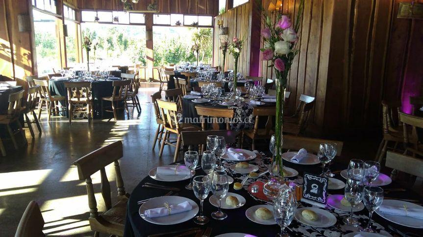 Salón y centros de mesa