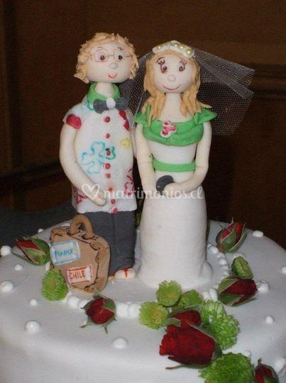 Toppers en pastel de rosas y perlas