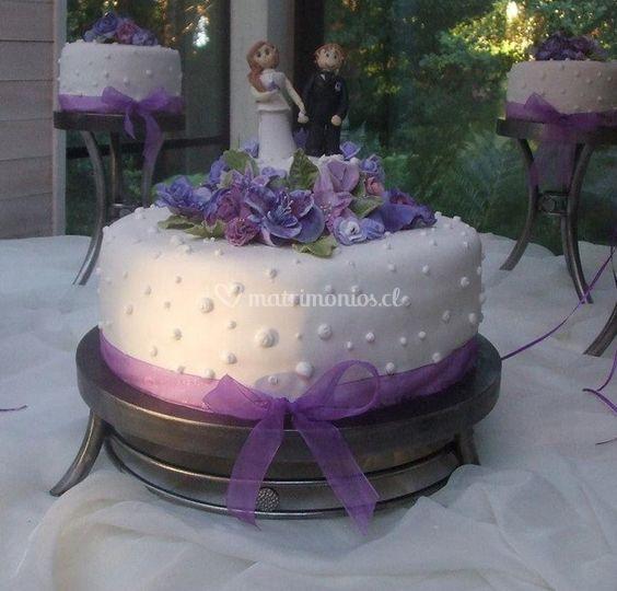 Pastel de matrimonio en lavanda
