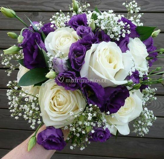 Ramo lila blanco