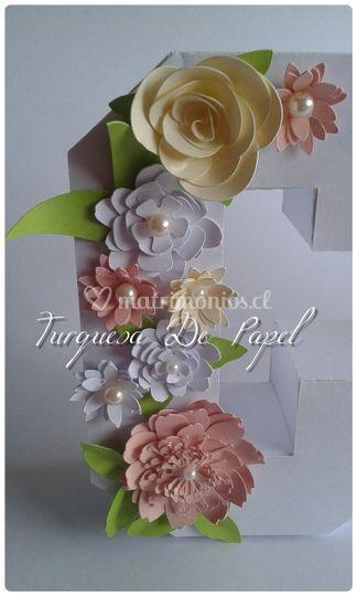 Flores de papel para letras